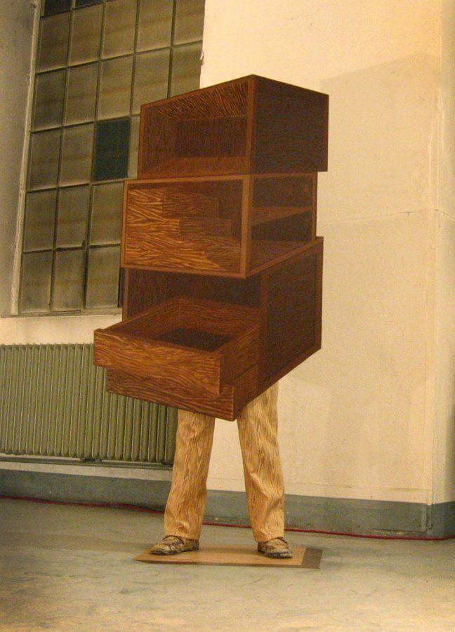 """Jan Mioduszewski, """"Man Furniture, Still Performance"""", fot. ze zbiorów artysty"""