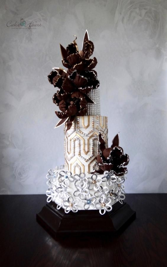 Glitz and glamour by Cake Heart - http://cakesdecor.com/cakes/300143-glitz-and-glamour