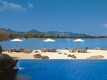Mauritius, The Oberoi http://www.capetours.co.uk/destinations/beach-destinations/175-accommodation/mauritius/154-the-oberoi