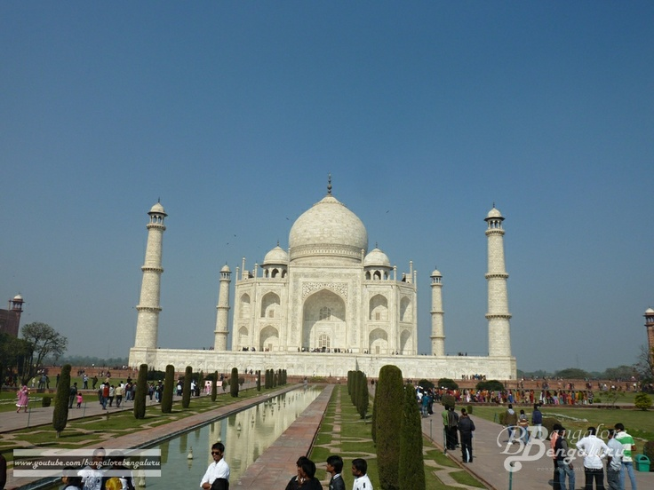Taj Mahal, one of the 7 wonder's of the world. In Agra city, India. Check out my video that I have uploaded in  YouTube [http://www.youtube.com/watch?v=rgGWMu-4E4k] .. .. .. .. .. .. .. .. .. .. .. .. .. .. .. .. .. .. ..  #bangalorebengaluru #bangalore #bengaluru #india #agra #rajasthan #travel #outing #favorite #cool #best #love #like #places #sevenwonders #unesco
