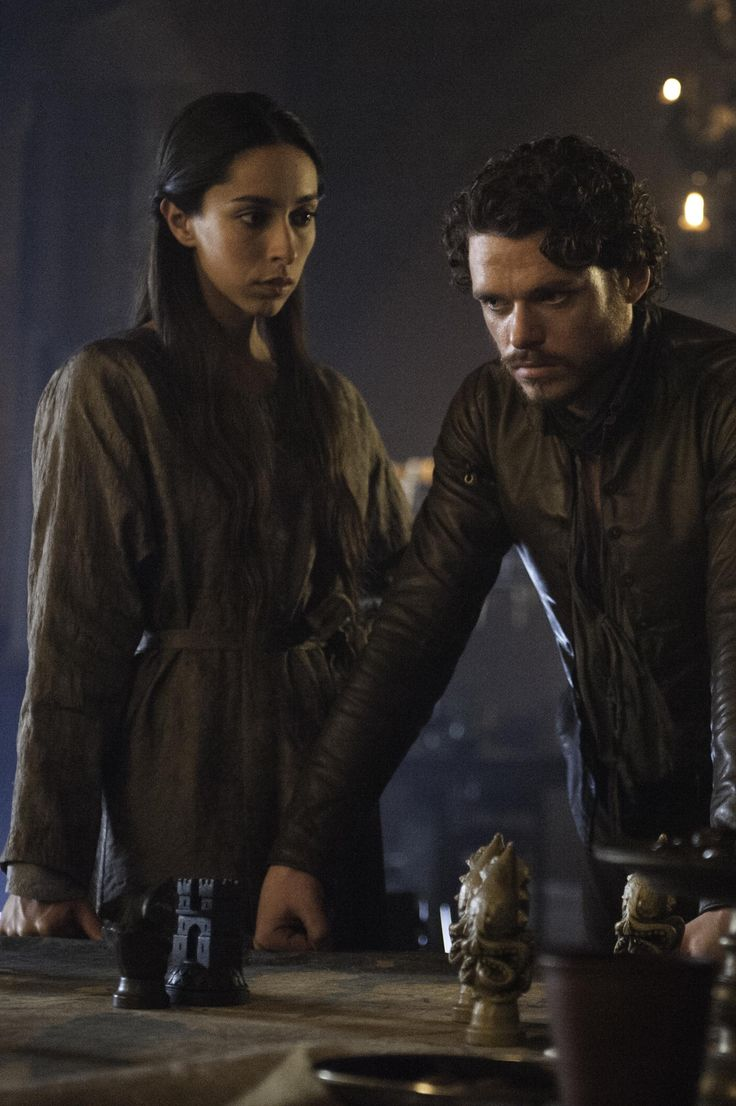 Robb and Talisa. Game of thrones III, still
