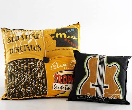 t-shirt pilowT Shirts Projects, Sewing, Ideas, Tshirt Pillows, Crafty, Pillows Talk, T Shirts Pillows, Diy, Crafts