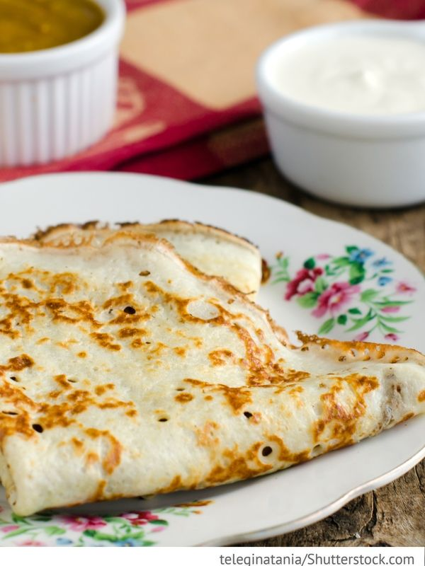 Pfannkuchen mit Kefir Pfannkuchen mit Kefir Blini na kefire - Блины на кефире - Russische Rezepte
