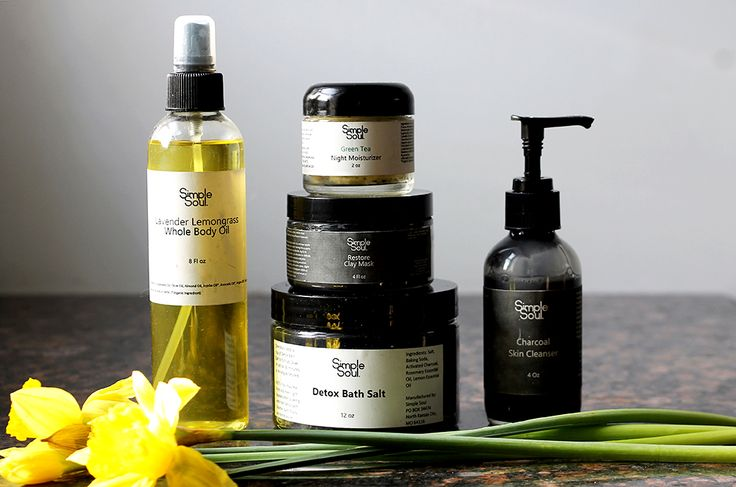 Organic Skin Care Lines: Simple Soul Review & Giveaway! | You will love the all natural, organic, vegan skin & body care line Simple Soul. Charcoal cleanser, charcoal mask, green tea moisturizer, lavender lemongrass body oil, and bath salts.
