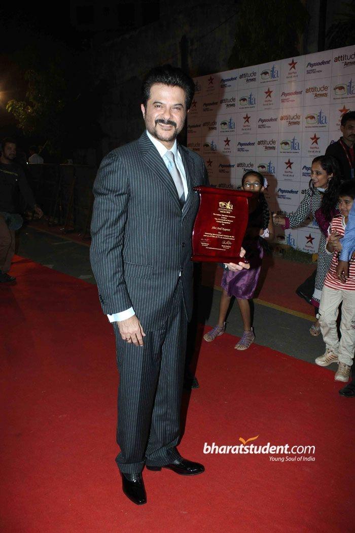 ITA Awards 2012, Anil Kapoor, Rajdeep Sardesai, Jeetendra, Shashi Ranjan, Anu Ranjan, Anushka Ranjan, Shweta Tiwari, Ragini Khanna, Bhagyashree, Ram Kapoor, Samir Soni, Neelam Kothari, Darsheel Safary, Mansi Joshi Roy, Rohit Roy, Dolly Bindra, Vijay Kumar