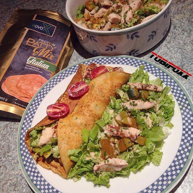 ' Chicken Salat Protein #PattyMix Italien Style verhaften ' 30 g PattyMix 150 ml Wasser in den Shaker schütteln und fertig ' Von jeder Seite kurz anbraten mit leckeren Zutaten belegen und genießen. Ofen Chicken Pflücksalat Rucula Tomaten Aubergine ' bei @FOOD4CHAMPS & @novo_x erhältlich. ' Der PattyMix geht momentan um die ganze Welt egal ob als Crêpe hauchdünn oder als Wraps / #pancakes ' Es gibt den #pancake Mix in 3 Sorten: Natural Italian Bacon ' www.FOOD4CHAMPS.com ' #food4champs ...