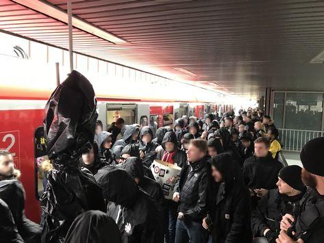 awesome BPOL NRW: 2. Fußball Bundesliga – VFL Bochum empfängt Fortuna Düsseldorf – Anreisephase abgeschlossen.