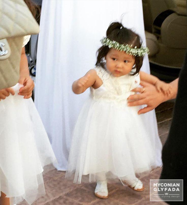 | Beautiful Sunset Wedding | Βασίλης & Κωνσταντίνα | #greekwedding #sunsetwedding #babybridesmaid #hairaccesory #flowercrowns #weddingflower #myconianglyfadawedding