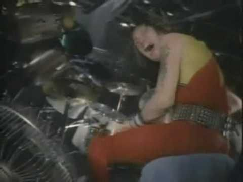 Iron Maiden - Running Free (Live After Death) - YouTube