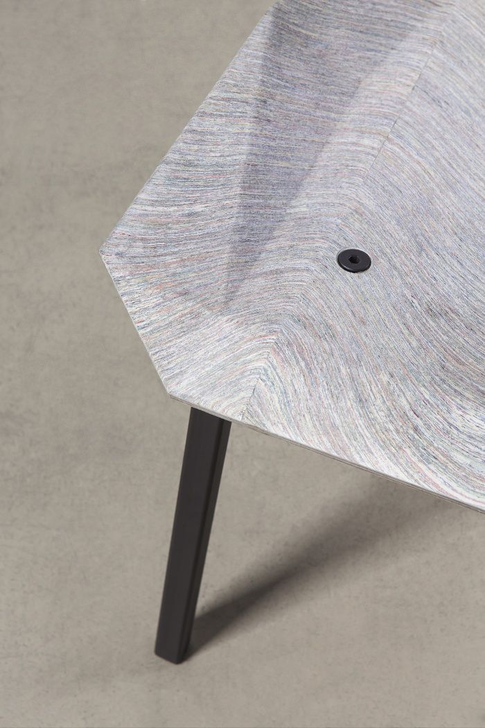 New Hybrids la chaise en papier NewspaperWood par Mieke Meijer