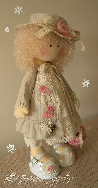 Muñeca de tela, muy bonita