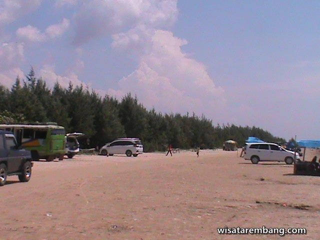 Pantai_Caruban