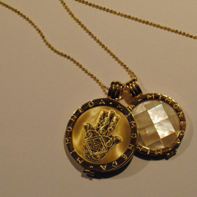 Mi moneda necklace