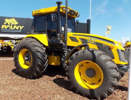 Con una larga tradición en la fabricación de tractores, Argentina viene recuperando el protagonismo perdido en la industrialización de este tipo de equipos. A las inversiones de empresas nacionales se sumó el desembarco de las principales multinacion