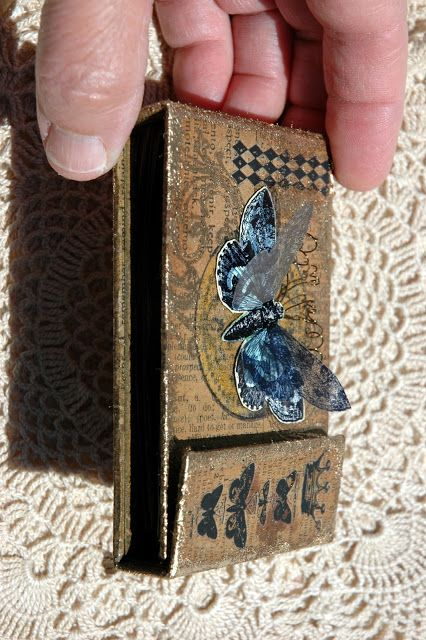 """CREATIVITY IS CONTAGIOUS: A """"KRAFTY"""" MINI BOOK/GIFT CARD HOLDER AND TUTORIAL WITH COIN ENVELOPES"""