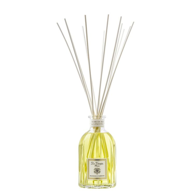 Fiori di Iris & Ginestra Dr. Vranjes 100 ml Stick Diffuser    Sticks air freshener firm Dr. Vranjes. Content 100 ml. It Includes 8 vegetable sticks. Perfume The Ginesta, with its distinctive aroma of fresh flowers frames the precious notes of Florentine Iris.The particular ingredients form agreements in which the flower of the Ginesta stands out, feminine and at the same time, with personality, the Mediterranean essence used for the notes of heart that are executed in its background notes in…