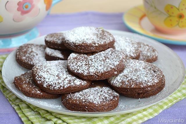 Biscotti in padella al cacao