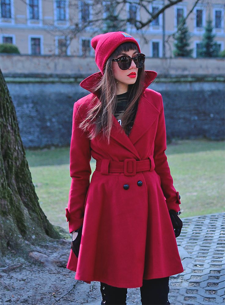 ootd: burgundy coat and Carhartt beanie https://jointyicroissanty.blogspot.com/2017/03/burgundy-and-camo.html