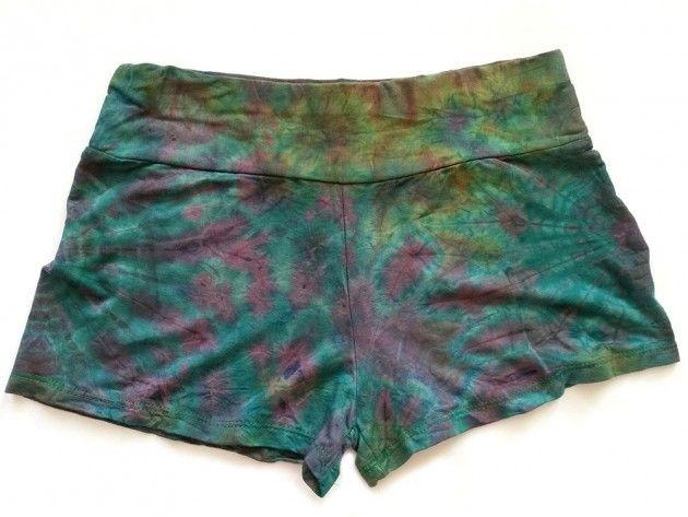 Batikk hipster shorts | Alternativ nettbutikk med organiske smykker og klær…
