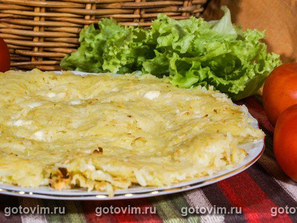 Пататник - болгарское блюдо. Готовят из сырого картофеля, который чистят, измельчают на терке и запекают с топленым маслом, брынзой и мятой (по желанию). Можно приготовить одну большую лепешку, но удобнее - несколько маленьких.