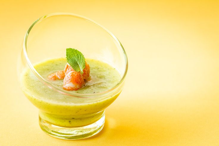 Gaspacho vert aux langoustines // Green gazpacho with prawn