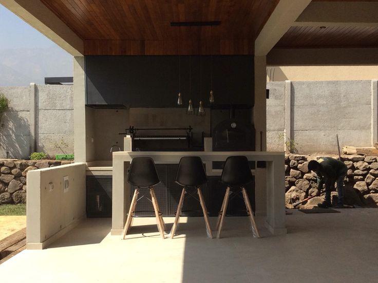 Quincho hormigón, madera y acero