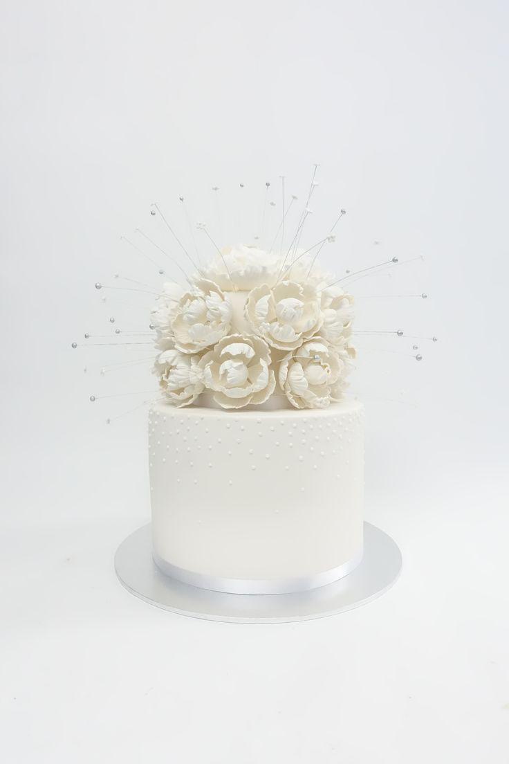 #vanillapod #vanillapodspecilatycakes #brisbanecakes #weddingcake #brisbaneweddingcakes #brisbanecafe #noveltycakesbrisbane #weddingcake