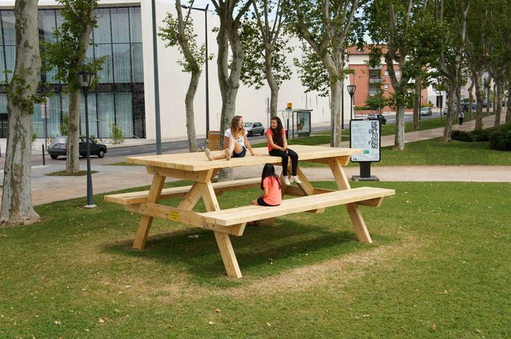 Benedetto Bufalino plays with the perception of a picnic table, it's HUGE!