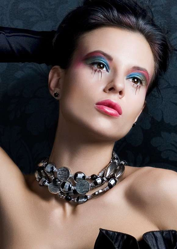 Spider Leg Eyelashes | Vibrant makeup, Eye makeup ...