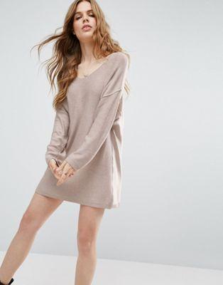 ASOS – Pulloverkleid aus Strick mit drehbarem Ausschnitt