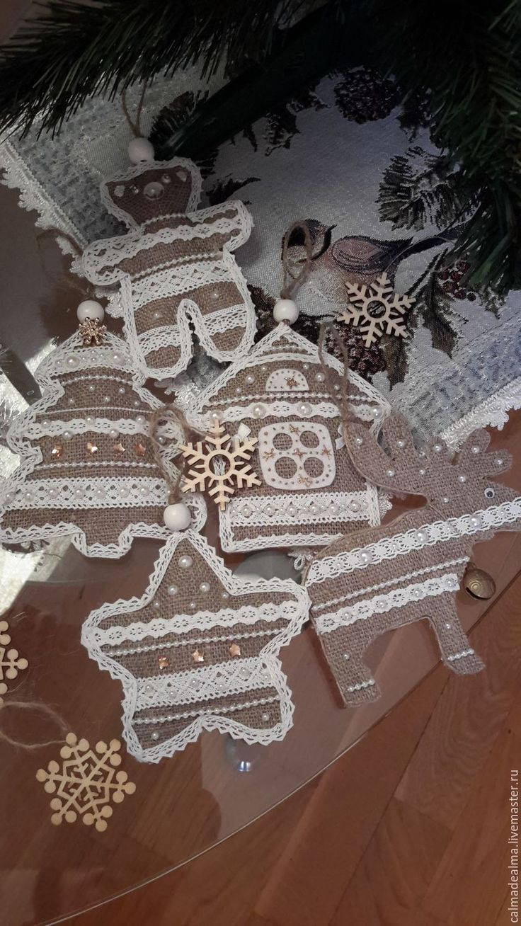 Купить Пряничные украшения из мешковины - серый, рустик, мешковина, пряник, кружево, подарок, Новый Год