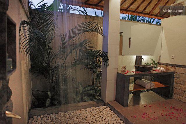 Romantic luxury escape in Canggu in Canggu