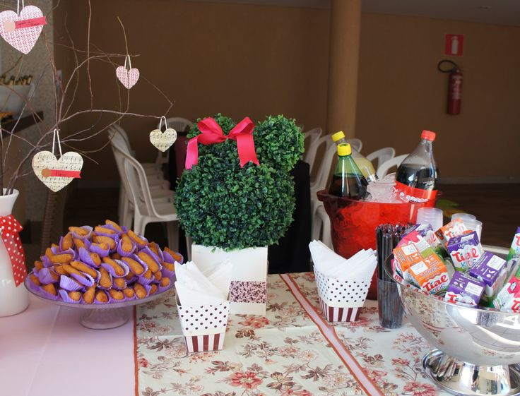 the Food/Drink table!