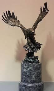 Картинки по запросу орел скульптура