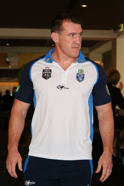 Paul Gallen Photos Photos - Paul Gallen arrives for the New South Wales Blues State of Origin media session at Sofitel Hotel on May 26, 2014 in Brisbane, Australia. - New South Wales Blues Media Session