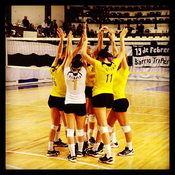 Michigan Volleyball is currently 4-0 on their tour of Argentina! Let's go blue! #umich #michigan