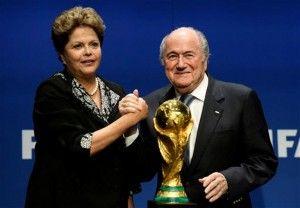 Después de que la presidenta de Brasil, Dilma Rousseff, entregue hoy la Copa del Mundo al ganador entre Alemania y Argentina, los ecos de la fiesta internacional más popular del fútbol se irán apagando y dejarán espacio a una campaña electoral focalizada en las demandas económicas de un país que avanza a un ritmo muy […]