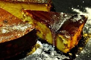 Buenos Aires cheesecake: Cheesecake de mantecol y reducción dulce de vino malbec.