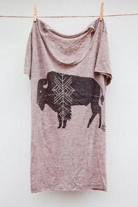 love this buffalo tee