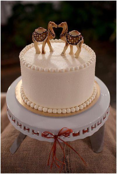 Camel Cake Topper
