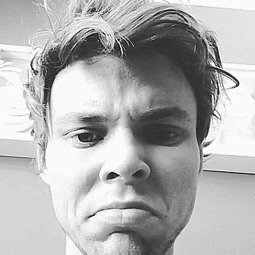 Some theories that may explain the real reason 5SOS's Ashton Irwin cut off all his hair THIS ARTICLE IS HILARIOUS(press on the picture)