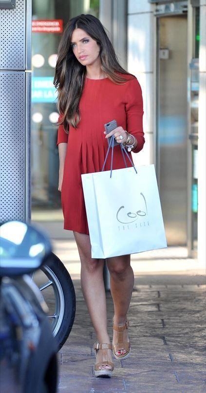 Sara Carbonero in red dress