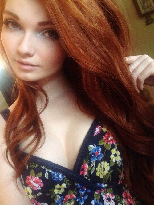 Sexy amateur redhead gives serious head