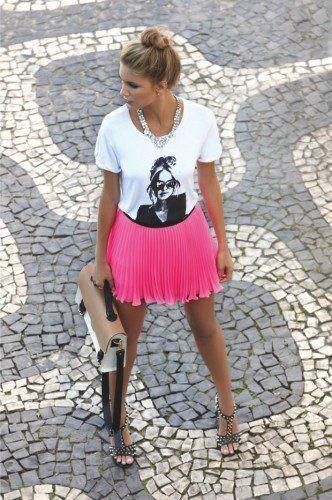 saia plissada rosa curta
