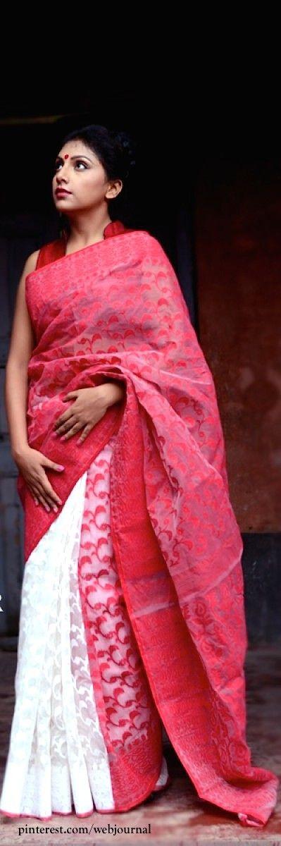 Handwoven Half and half Dhakai Jamdani - Tantghar.com