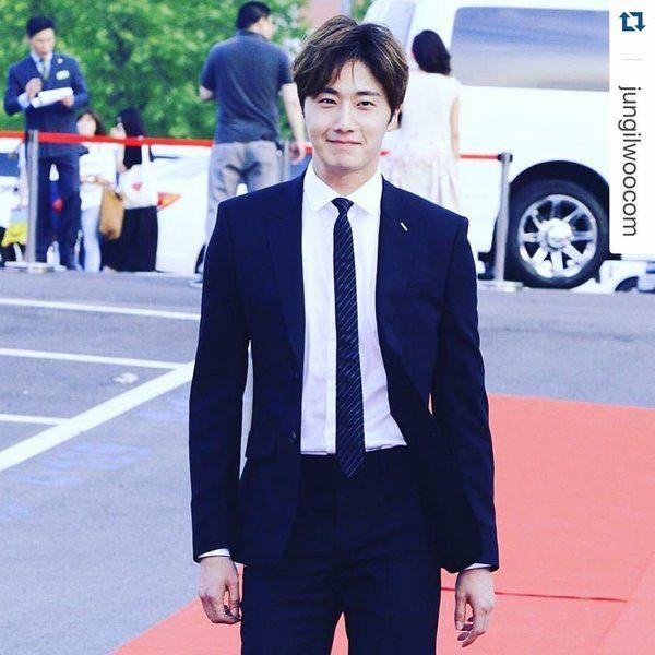 #Korean #Actor | #JungIIWoo | チョン・イル日本公式 smilwoo (@smilwoo) | Twitter  |  22 May 2016 | [https://twitter.com/smilwoo/status/734200599256825856] THIS Post:  22 May 2016 (Sunday)