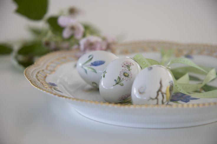 Easter eggs on Flora Danica