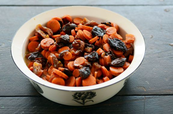 Tzimmes | Rosh Hashanah Cooked Veggies Recipe- Carrots, Prunes, Apricots, Orange Juice, Cinnamon.  Delish!!