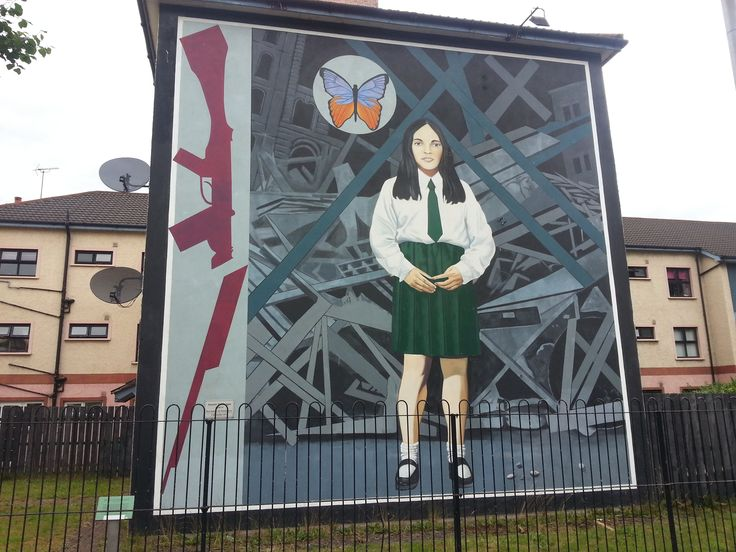 Peace wall mural derry northern ireland belfast for Dublin wall mural