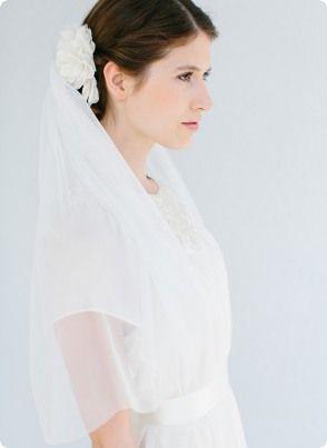 "Bridal veil ""Emma"" with silk headpiece ""Annabelle"" - www.bellejulie.com"